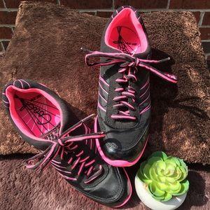 Coach sneakers size 8.5 medium
